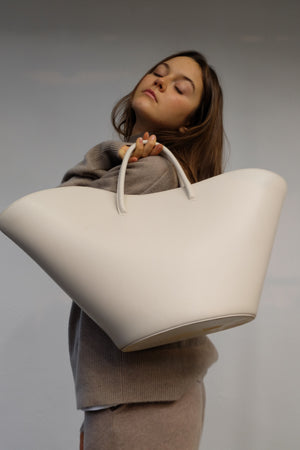 TULIP TOTE LARGE IN WHITE BY LITTLE LIFFNER