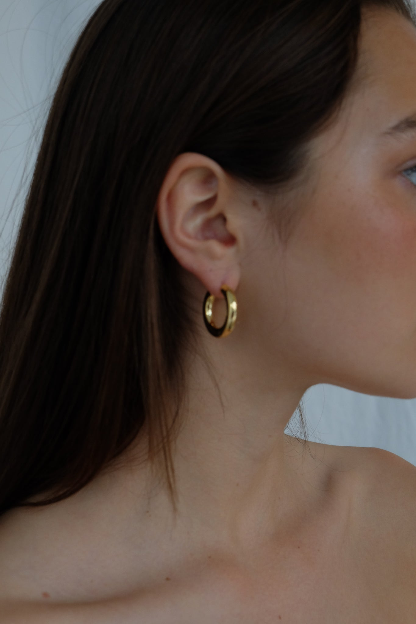 CHUNKY HOOPS IN GOLD - BEYOND STUDIOS