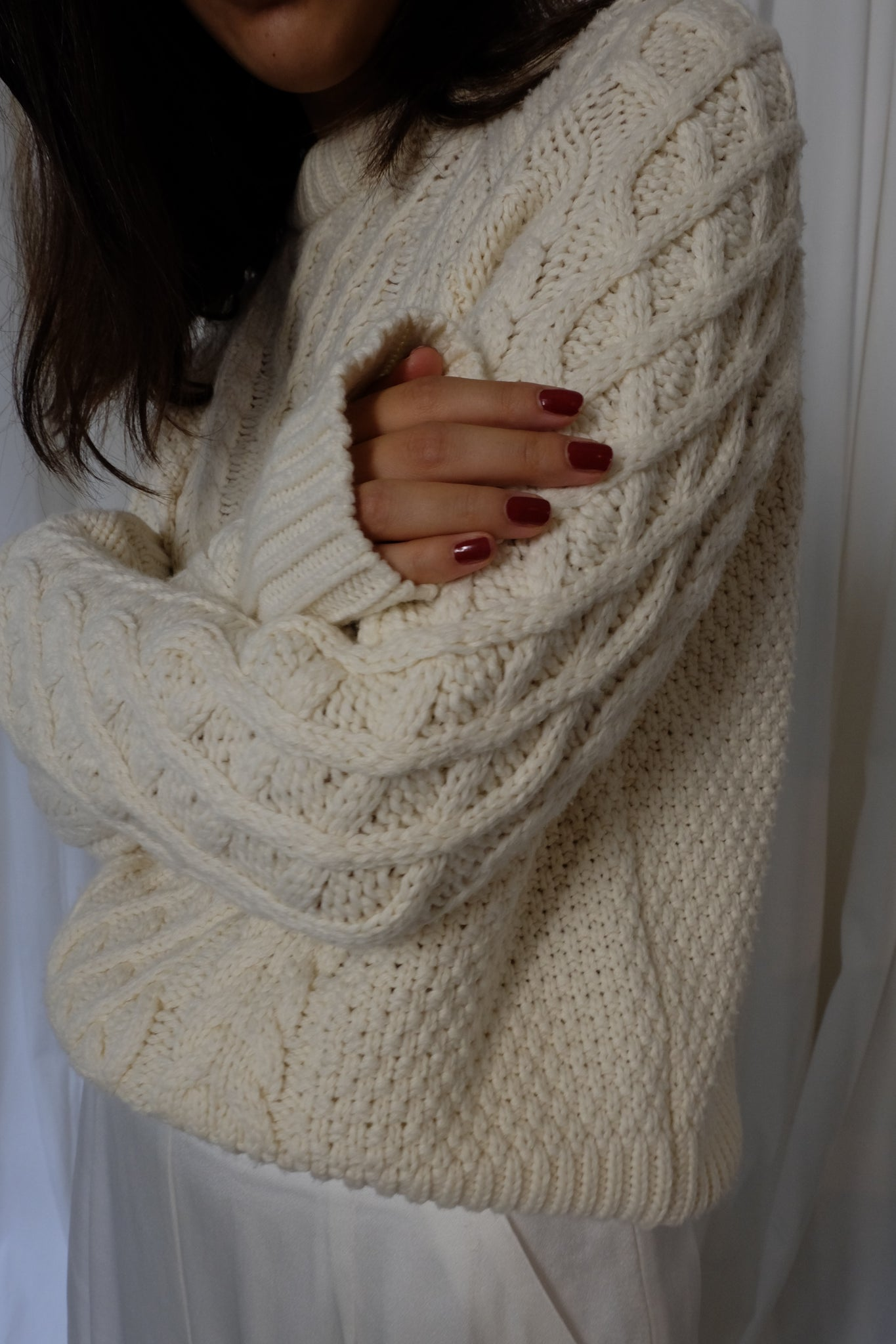CABLE KNIT PULLOVER IN CREME - BEYOND STUDIOS