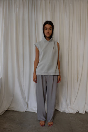 SLEEVELESS HOODIE IN GREY - BEYOND STUDIOS