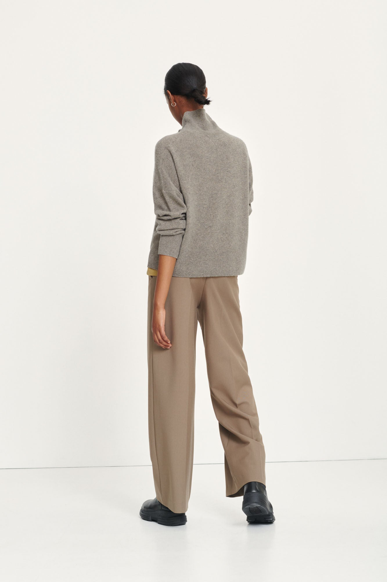 PURE CASHMERE TURTLENECK IN NATURAL