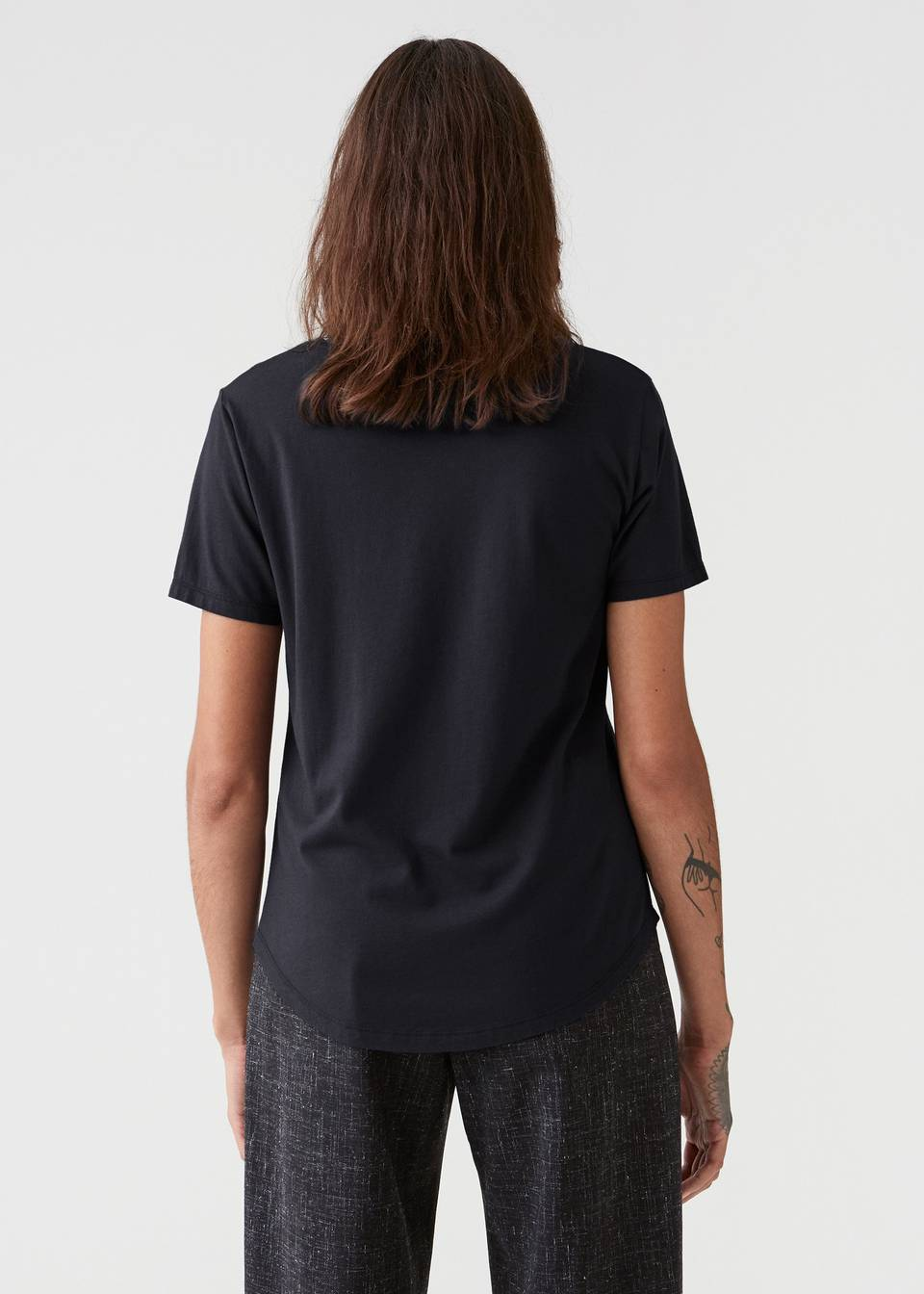 ONE TEE IN BLACK BY HOPE