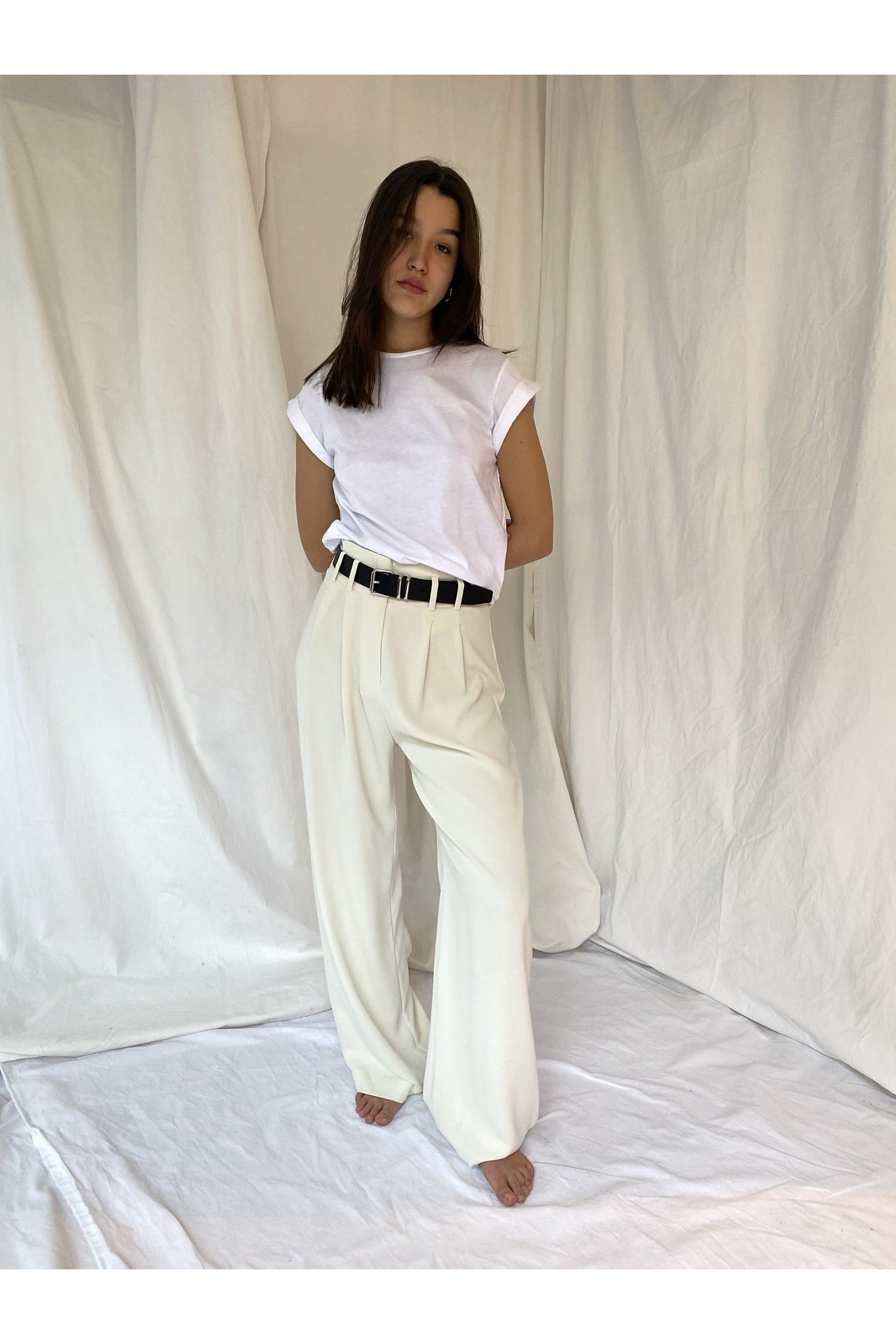 OFF WHITE PLEATED PANTS - BEYOND STUDIOS