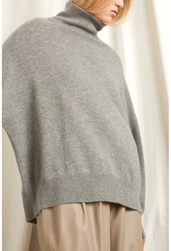 MURANO TURTLENECK CASHMERE SWEATER IN GREY BY LOULOU STUDIO
