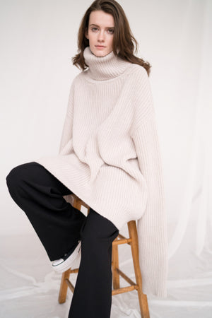 CHUNKY TURTLENECK IN OFF-WHITE BY CAN PEP REY