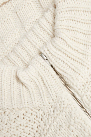 CABLE KNIT ZIP UP VEST IN IVORY WHITE