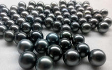 Load image into Gallery viewer, Natural Tahitian Black Pearl Earring Studs 8-12mm - ROYANI Fashion & Jewellery