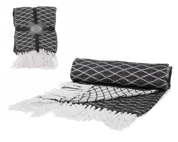Black and white Throw with fringe