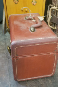 Train Case w/ Key
