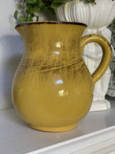 Load image into Gallery viewer, Vintage collectable decor pitchers
