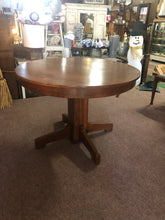 Load image into Gallery viewer, American Oak pedestal table