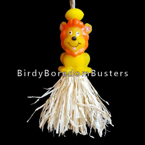 A vinyl critter with tufts of corn husk just waiting to be shredded! Designed for small and extra small birds. Contains no metal parts.  Hangs approx 6