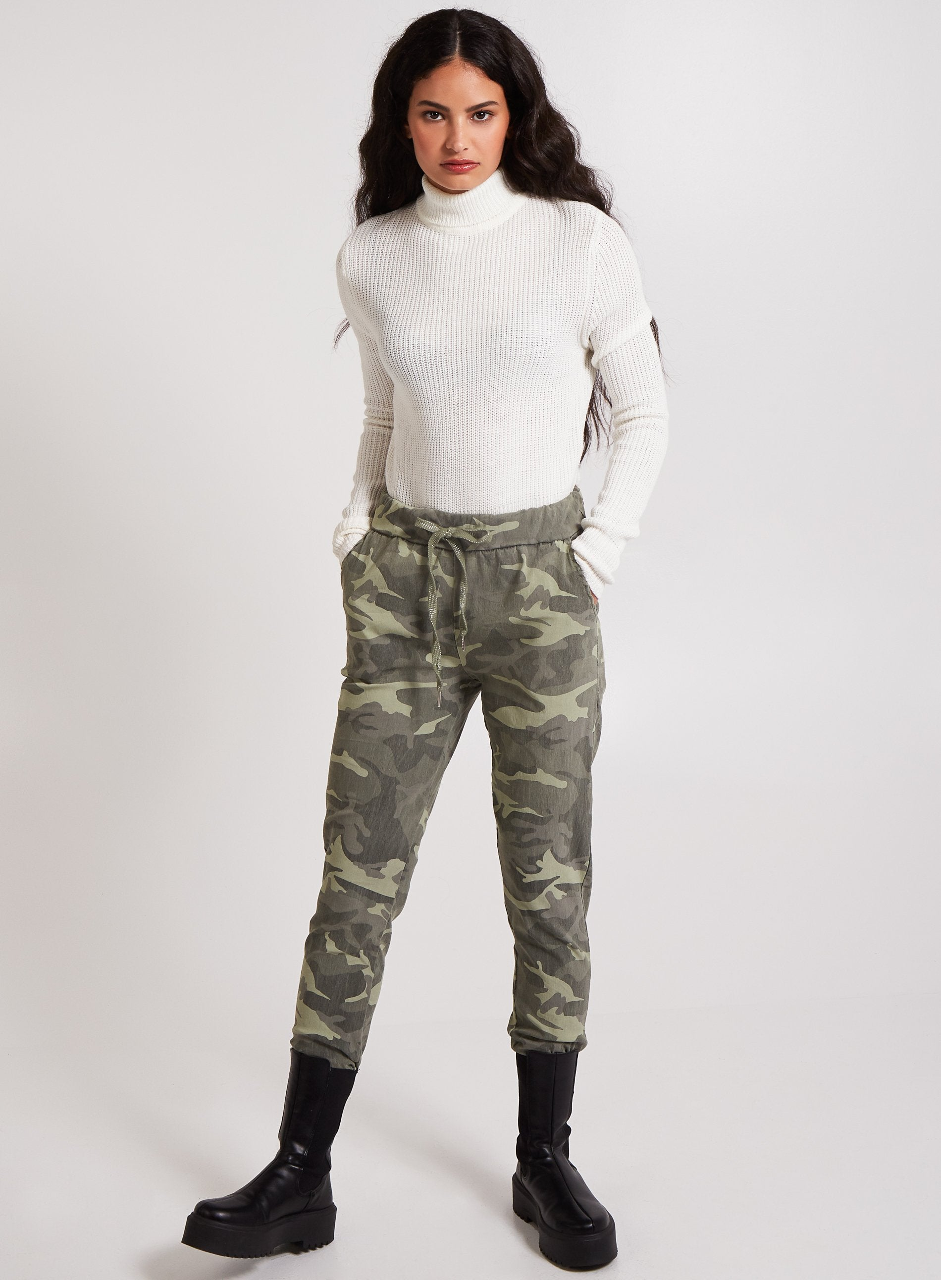 REVERENT - Camo Casual Jogger