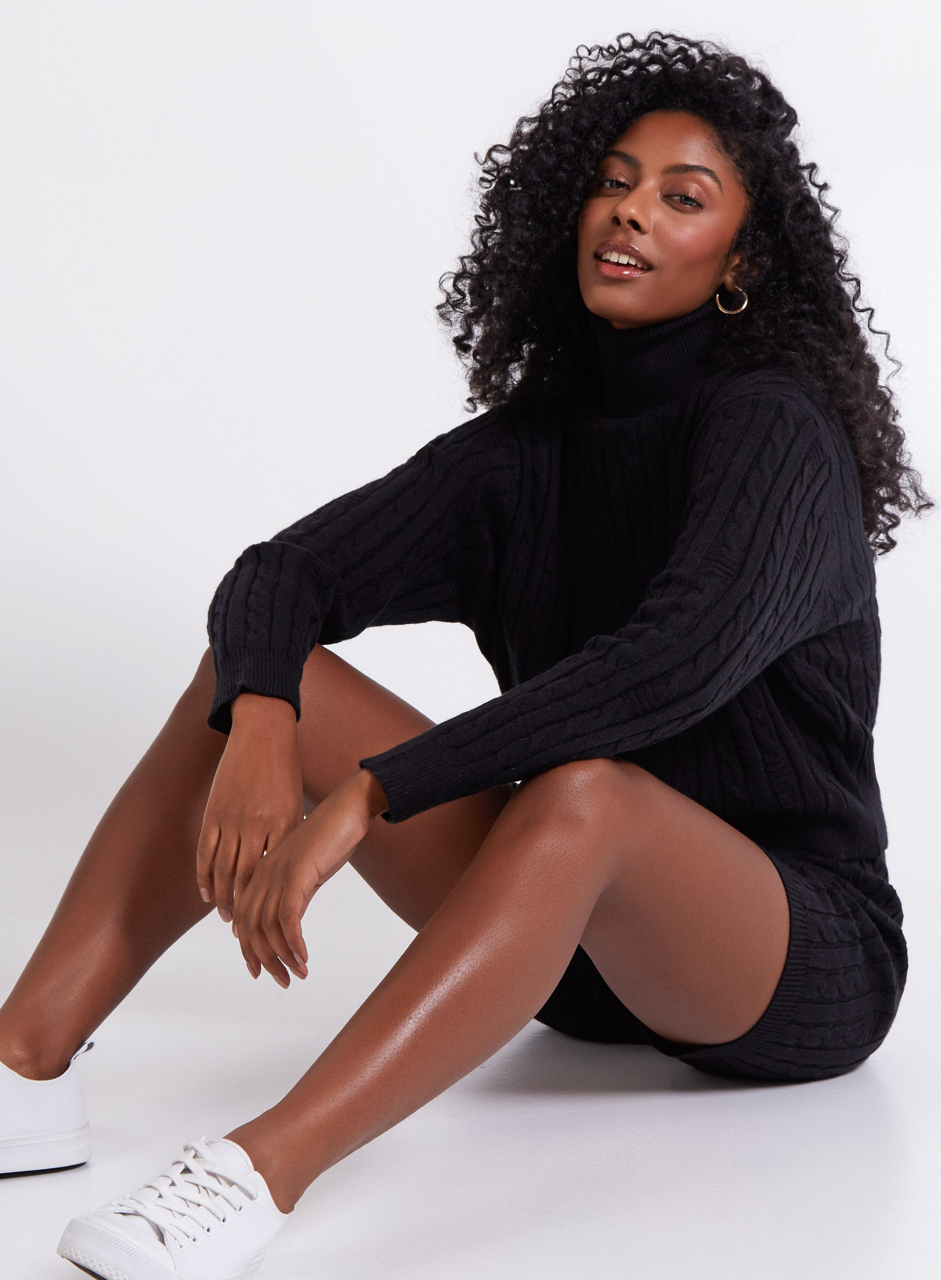 RELAXED - Cable Knit Roll Neck Jumper & Shorts