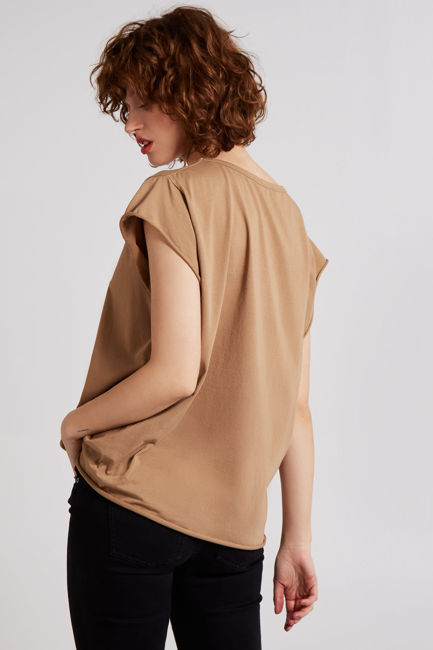 HAPPY - Cap Sleeve High Low Rolled Edge Top