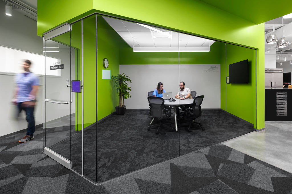 Commercial Architecture Photo of Green Room