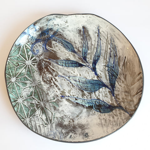 Modern Plate (29cm diameter) - Nada Spencer Ceramics