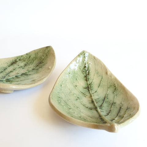 Small leaf bowls set of 2 (16cm) - Nada Spencer Ceramics