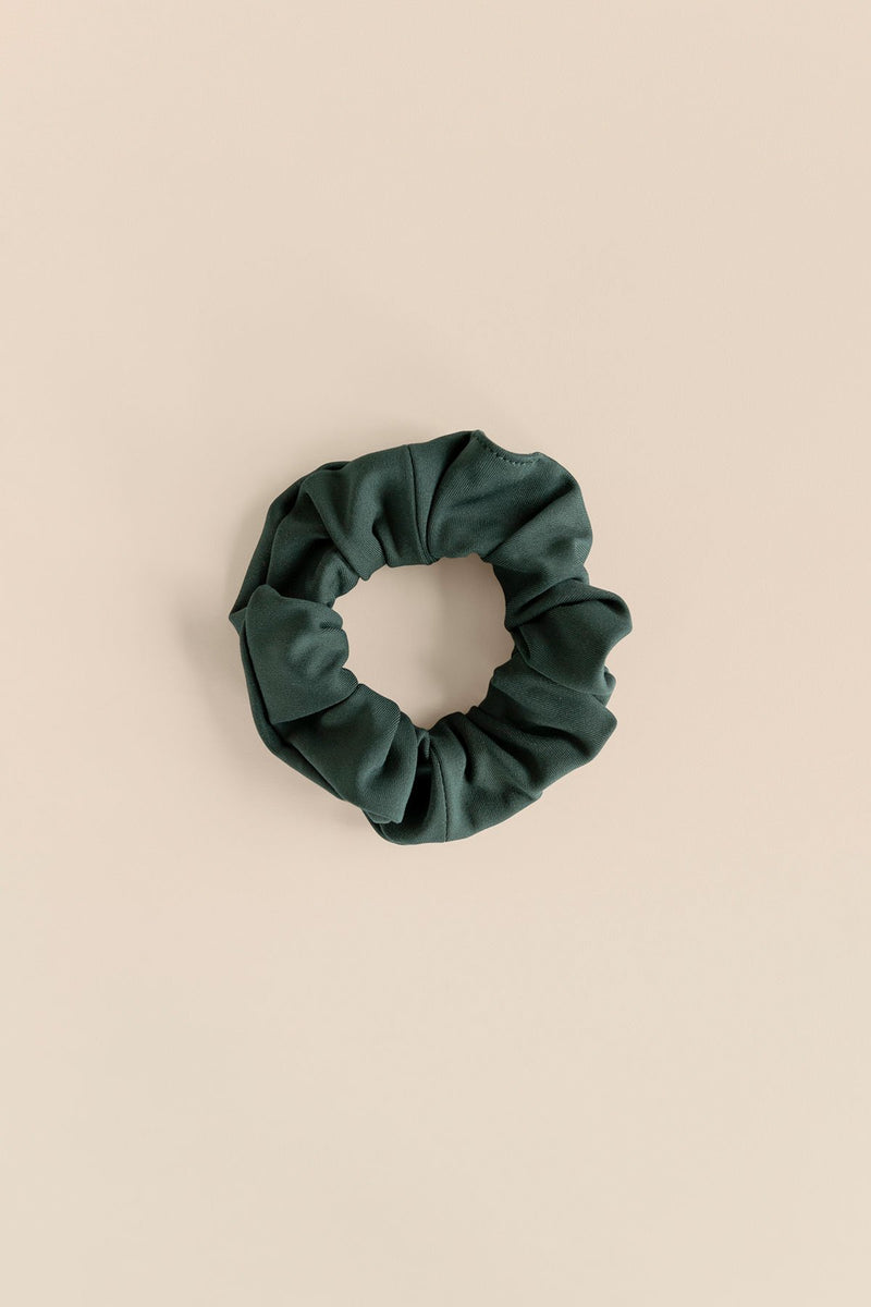 Girlfriend Collective Scrunchie in Moss
