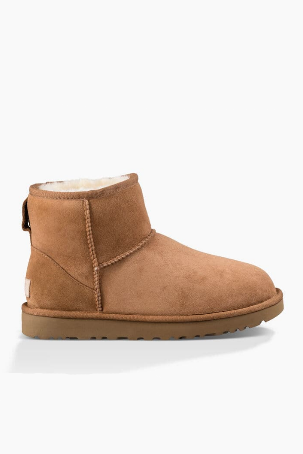 UGG Women's Classic Mini II Boot in Chestnut