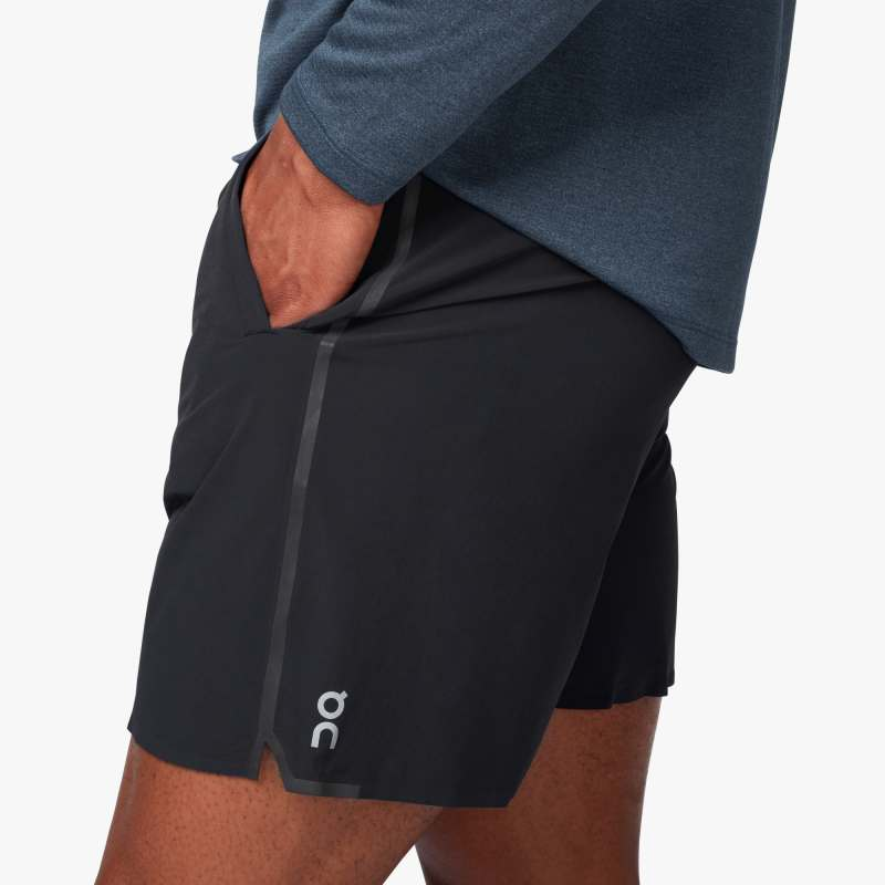 ON | Hybrid Shorts in Black