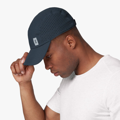 ON | Lightweight Cap in Navy