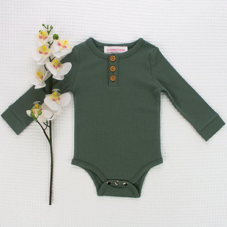 Cozy Long Sleeve Bodysuit - Wreath