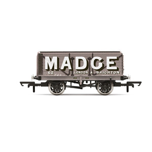 Madge, 7 Plank Wagon, No. 62 - Era 2/3 - R6952 -PRE ORDER - (from 2020 range)