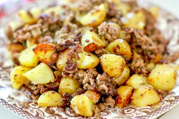 Cuban Picadillo Ground Beef w/ Herb Roasted Potatoes