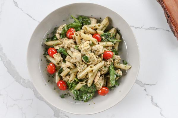 Pesto Chicken Penne Pasta w Spinach and Cherry Tomatoes