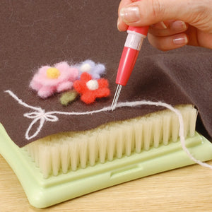 Clover Pen-Style Needle Felting Tool