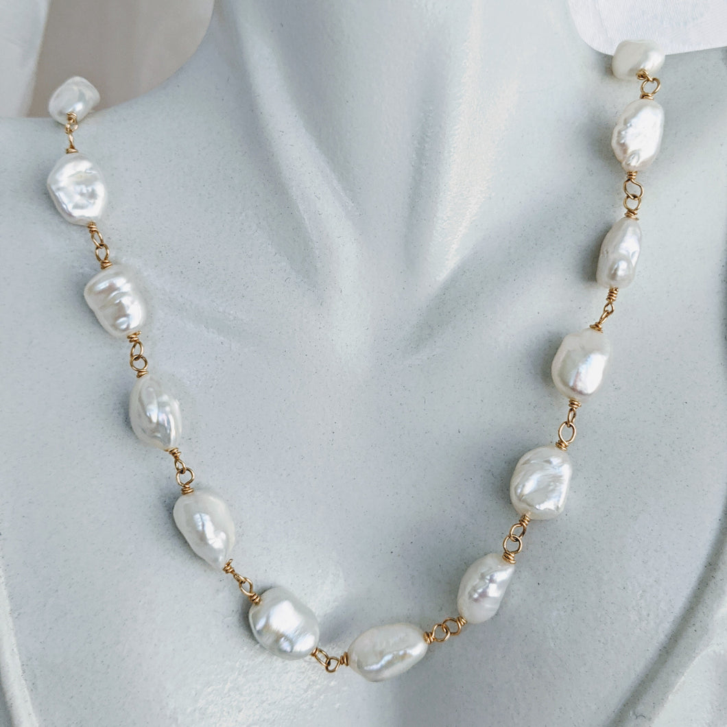 Hand link Keshi pearl chain necklace