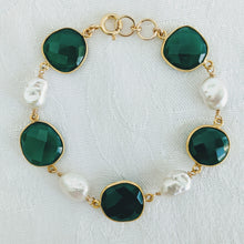 Load image into Gallery viewer, Faceted Green Onyx and pearl bracelet