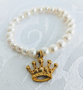 Pearl with gold plate pewter crown