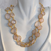 Load image into Gallery viewer, Gold and Rose quartz gem chain