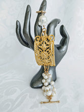 Load image into Gallery viewer, Ornate plate and pearl bracelet