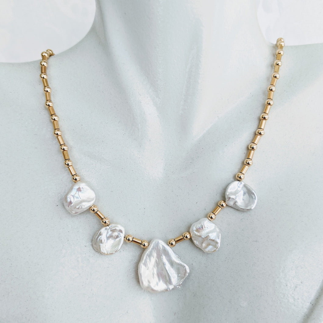 Simple Keshi pearl and gold necklace