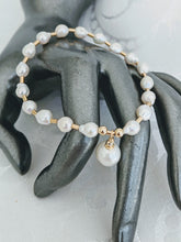 Load image into Gallery viewer, Baby Baroque freshwater pearl drop bracelet