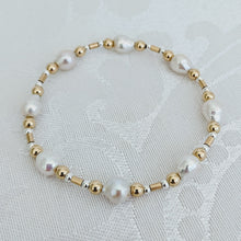 Load image into Gallery viewer, Baby Baroque pearl and gold mix bracelet