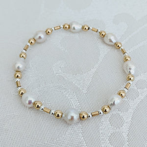 Baby Baroque pearl and gold mix bracelet