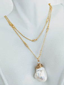 Gold vermeil cubic zirconia chain with wrapped Baroque Pendant
