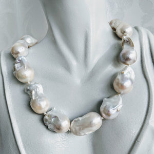 Stunning Baroque cultured freshwater pearl necklace