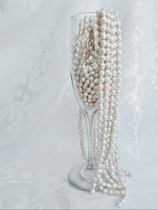 Simple and elegant Baby Baroque pearl necklace