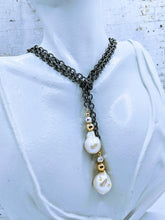 Load image into Gallery viewer, Gunmetal chain and pearl lariat - 43""