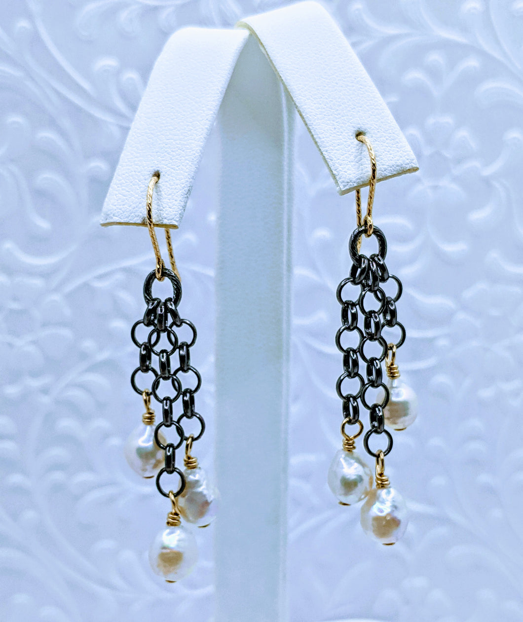 Gunmetal chain pearl earrings