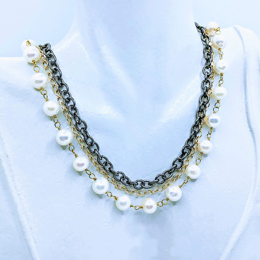 Gunmetal triple chain with Pearl - 20