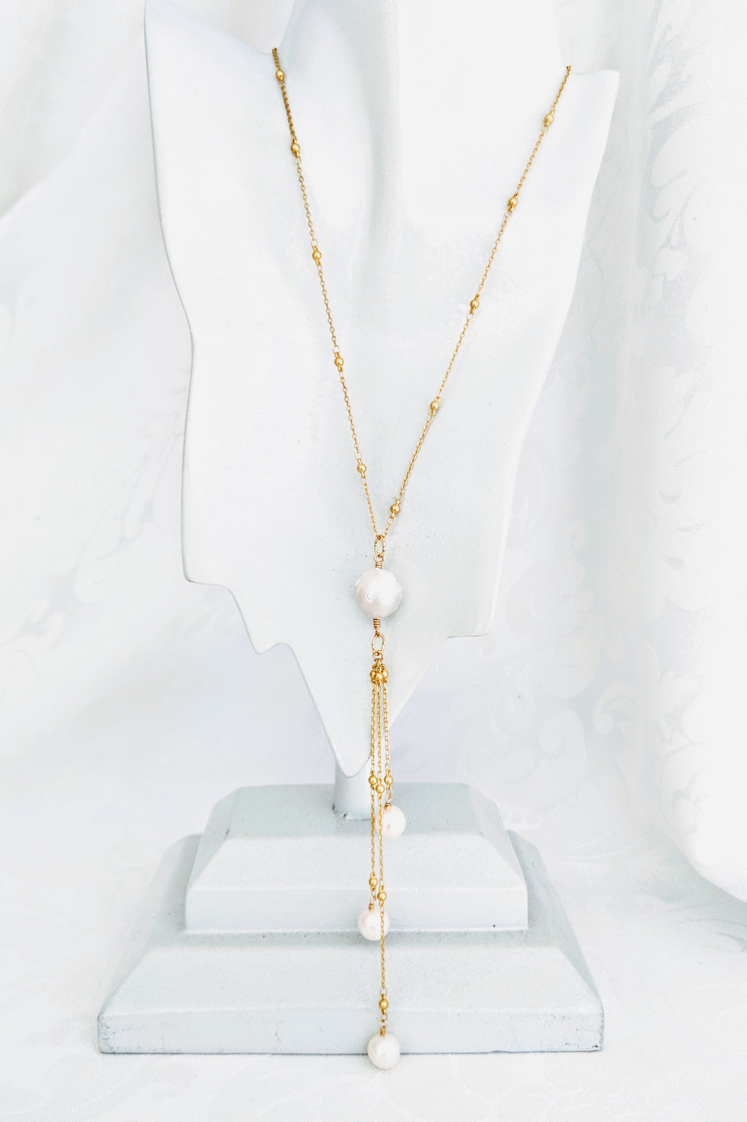 Gold/Pearl tassel necklace