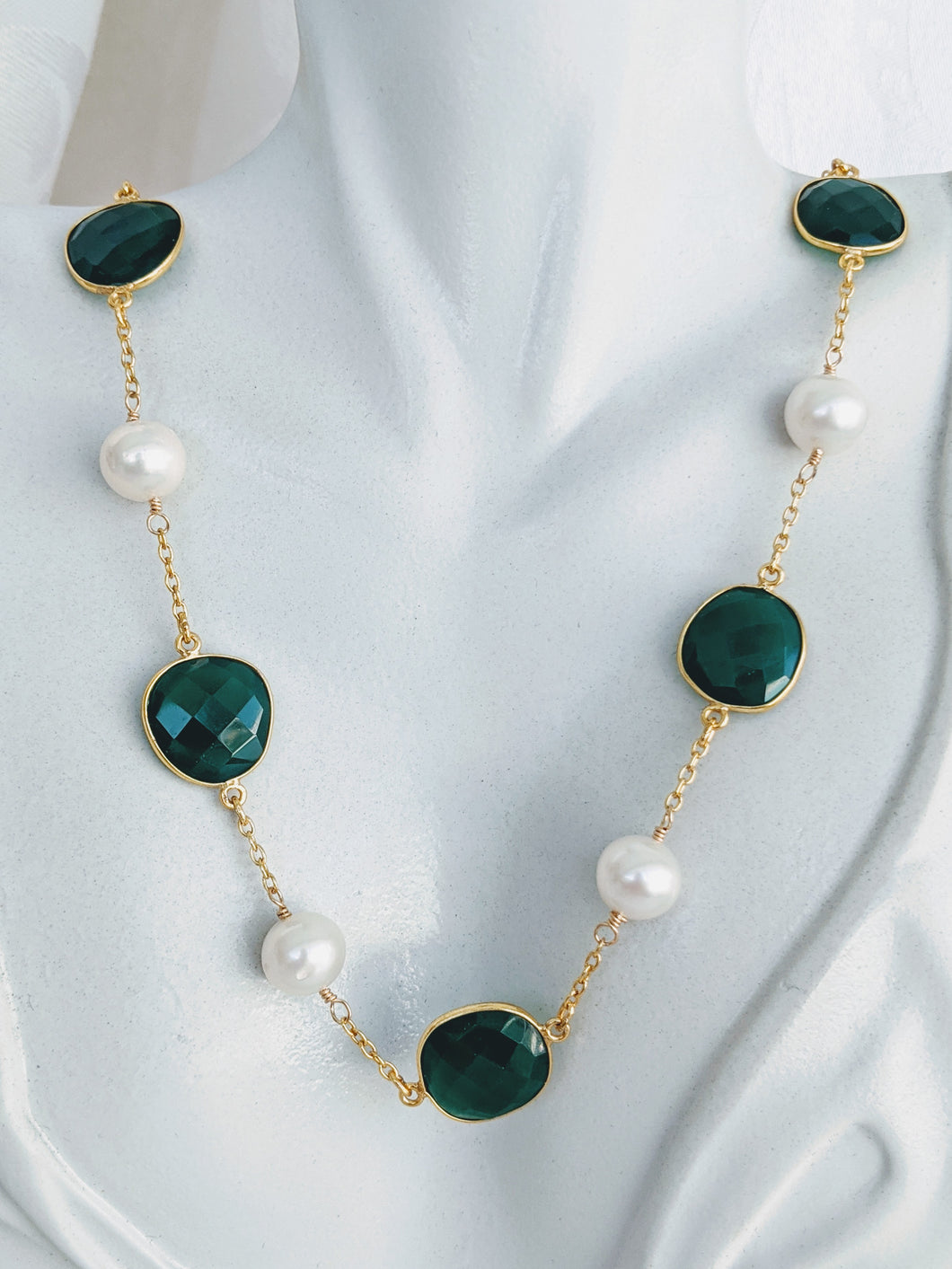 Faceted Green Onyx and cultured freshwater Pearl necklace