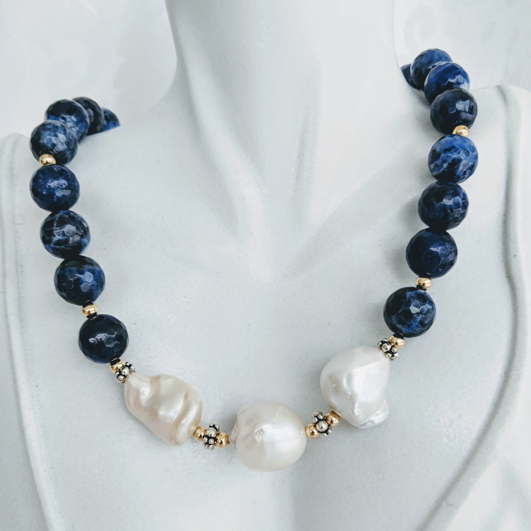 Sodalite and large pearls