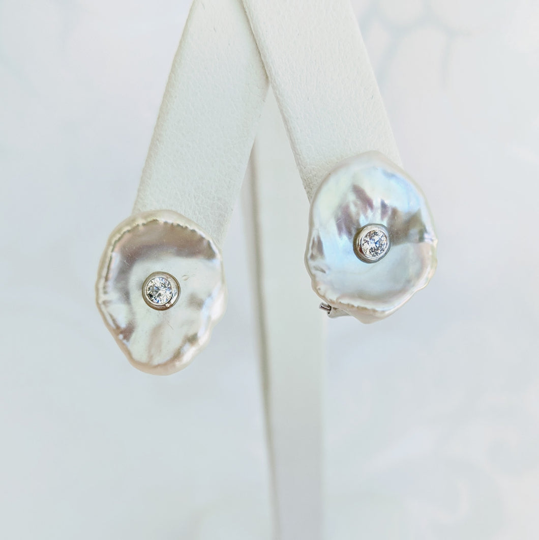 Keshi pearl w/Sterling silver and cubic zirconia